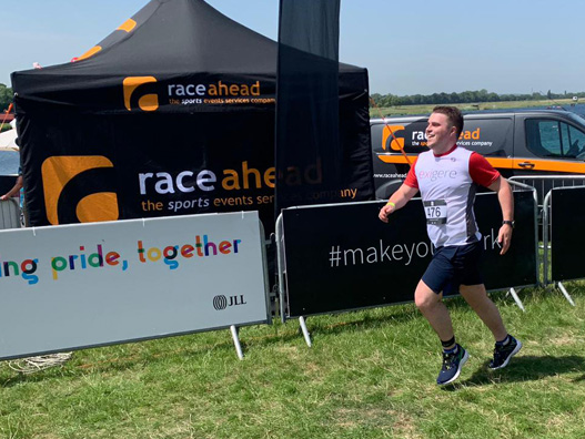 Exigere's Chris Andrew running at the JLL Property Triathlon.